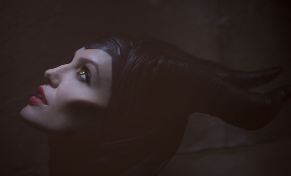 ANGELINA-JOLIE-MALEFICENT-600