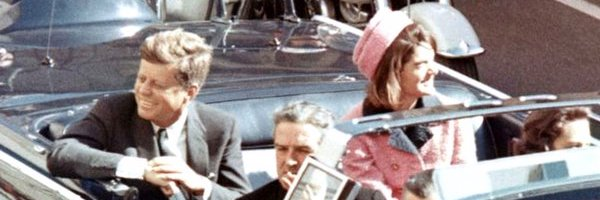 Cannes 2021 : JFK REVISITED – THROUGH THE LOOKING GLASS / Critique