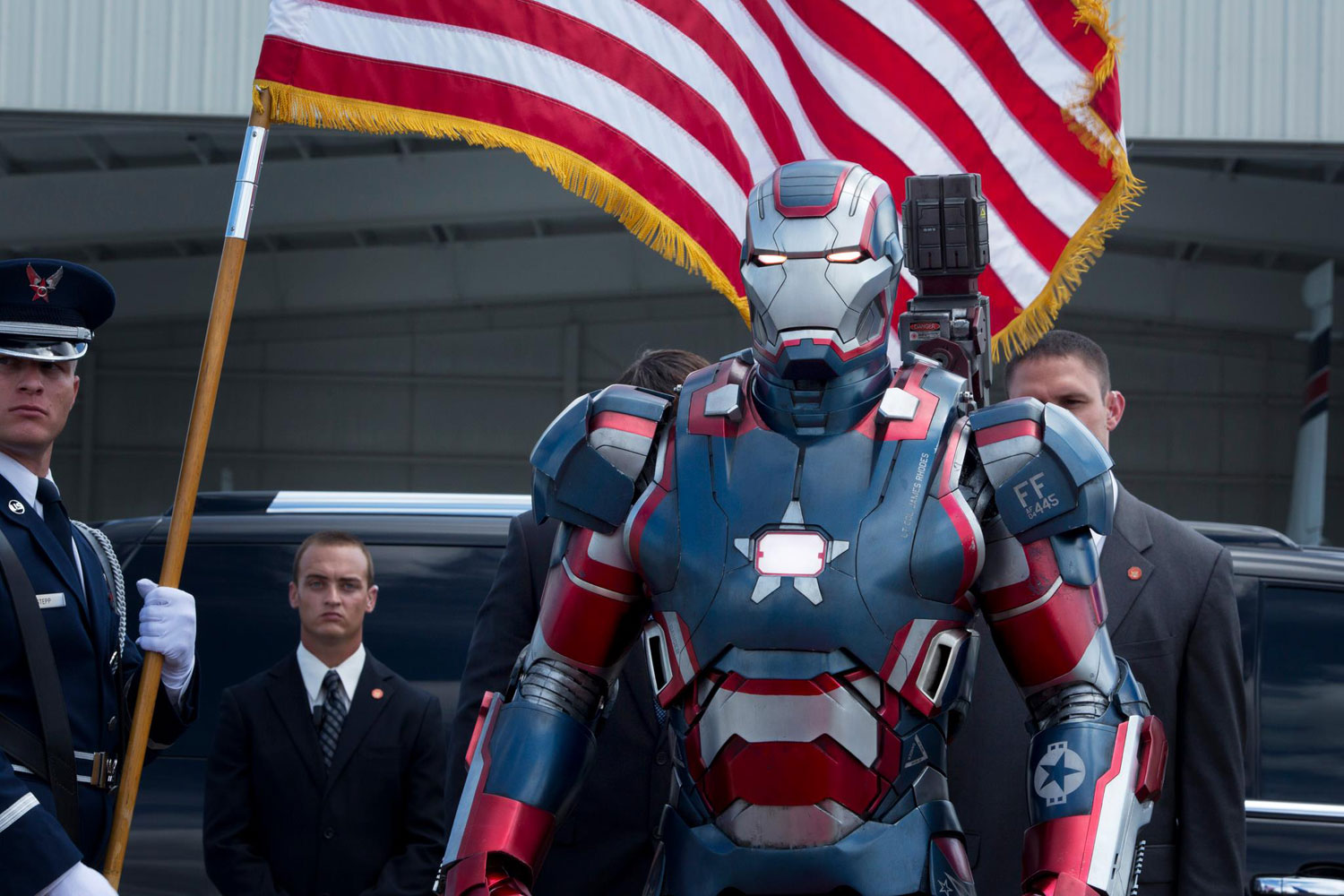 3-IRON-MAN-3-PREMIERES-IMAGES